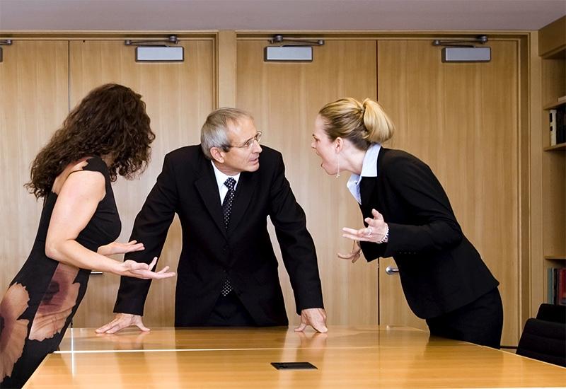 Антиколлекторы - помощь должникам. Работа в административных и судебных органах