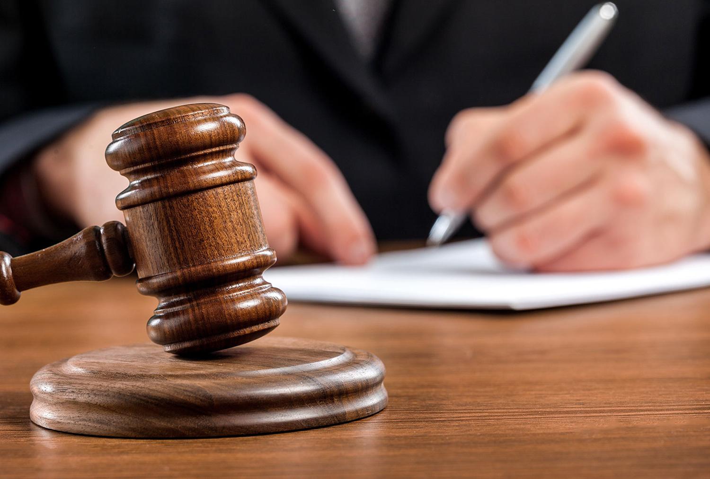 Имеют ли право коллекторы подавать в суд?
