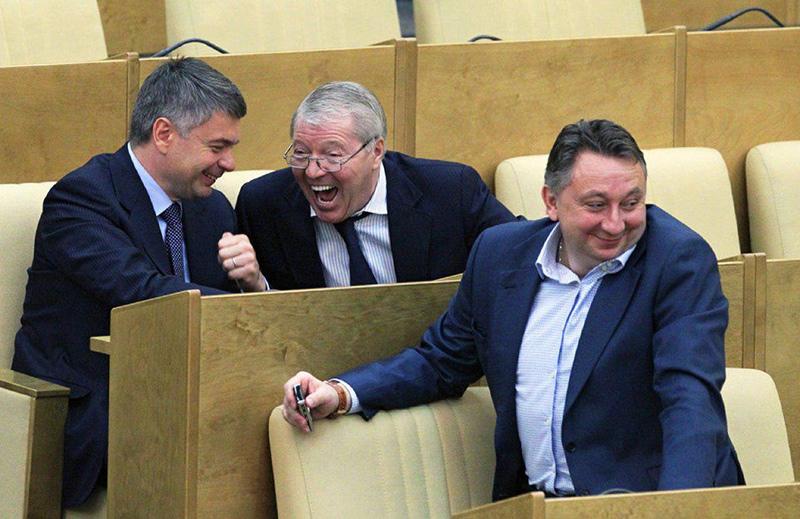 Депутатам повысят зарплаты впервые за несколько лет