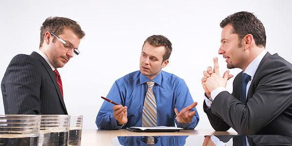 Деловые контакты с кредиторами и сделки с имуществом должника
