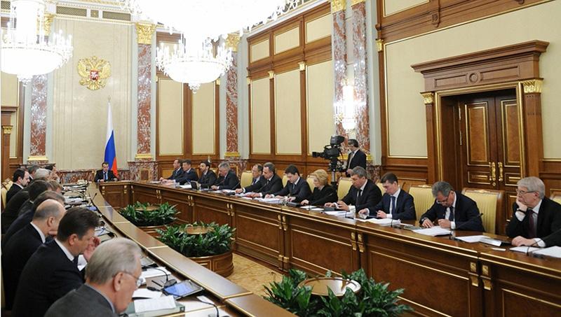 Кабмин одобрил предложение проводить расследование по коллекторам